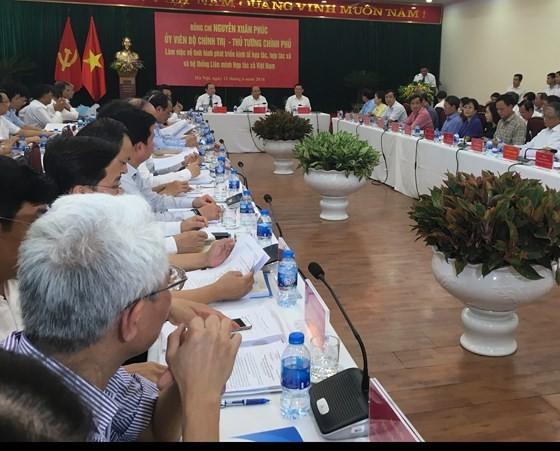 Thủ tướng Nguyễn Xuân Phúc tới làm việc tại Liên minh HTX Việt Nam