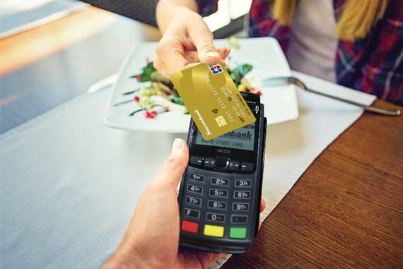 Chủ thẻ Sacombank JCB có thể thanh toán chạm