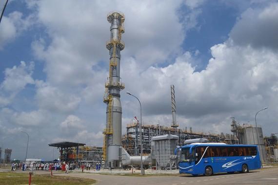 Thu ngân sách giảm mạnh từ giảm nhập khẩu xăng dầu