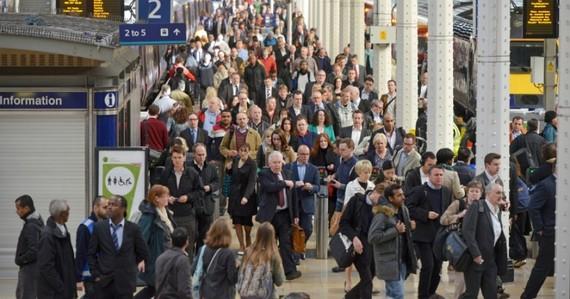 Số công dân EU di cư đến Anh giảm thấp nhất 5 năm qua