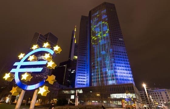 ECB duy trì lãi suất ở mức thấp