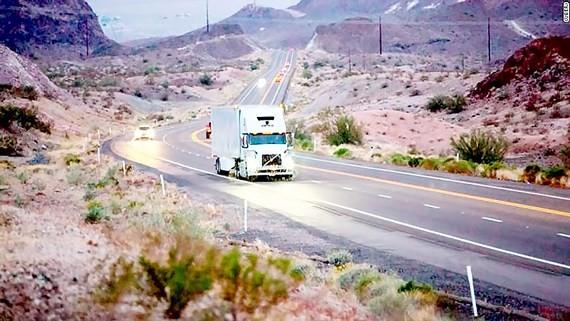 Uber ngừng sản xuất xe tải tự lái