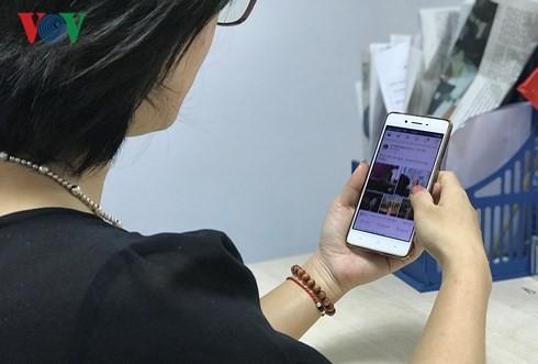 Điện thoại di động đóng góp lượng lớn truy cập vào các trang thương mại điện tử, tuy nhiên tỉ lệ chốt đặt hàng lại thấp hơn nhiều so với máy tính bàn.