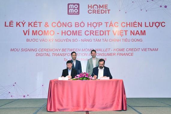 Ví Momo và Home Credit Việt Nam hợp tác chiến lược
