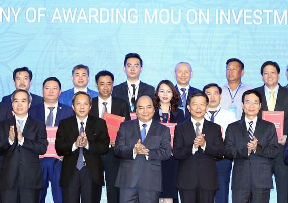 Tập đoàn FLC là doanh nghiệp cam kết đầu tư nhiều nhất tại hội nghị xúc tiến đầu tư với tổng số vốn khoảng 63.000 tỷ đồng.