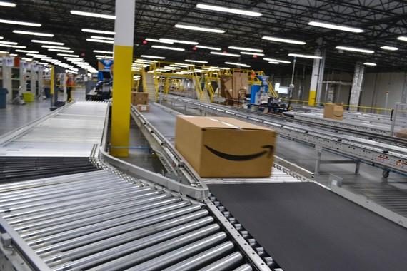 Amazon đạt mức vốn hóa vượt 1.000 tỷ USD