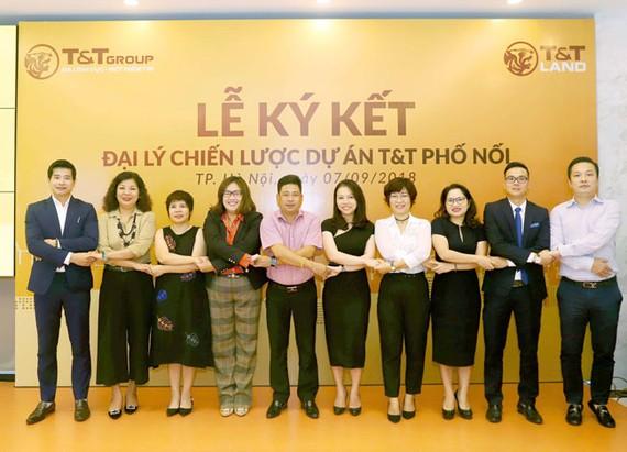 Lễ ký kết hợp đồng đại lý phân phối dự án T&T Phố Nối.