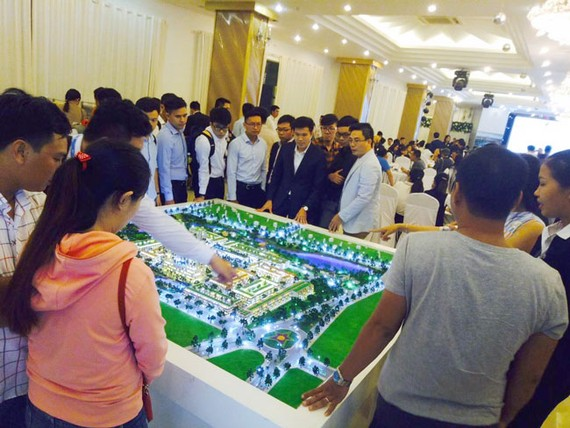 Khách hàng tham quan dự án Khu đô thị Barya Citi.