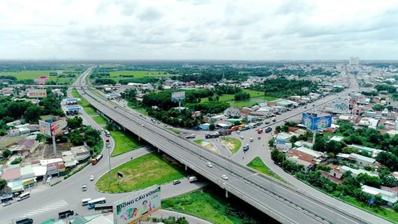 Cao tốc TPHCM – Long Thành – Dầu Giây giúp kết nối nhanh chóng tuyến đường từ Biên Hòa tới trung tâm TPHCM.
