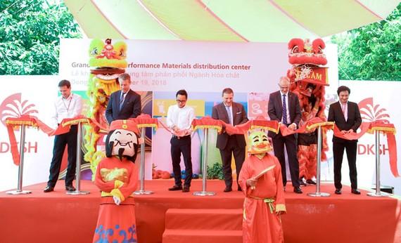 DKSH khánh thành trung tâm phân phối mới