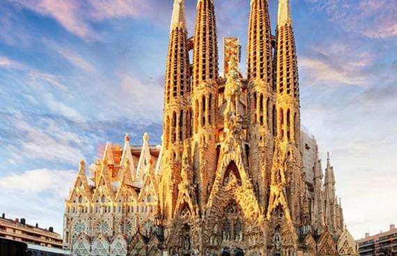 Nhà thờ Sagrada Familia được cấp giấy phép xây dựng sau 136 năm
