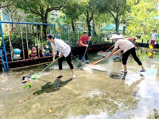 TPHCM: Các trường khắc phục hậu quả sau bão số 9
