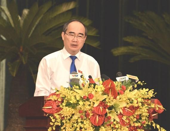Bí thư Thành ủy TPHCM Nguyễn Thiện Nhân phát biểu tại phiên khai mạc. Ảnh: VIỆT DŨNG
