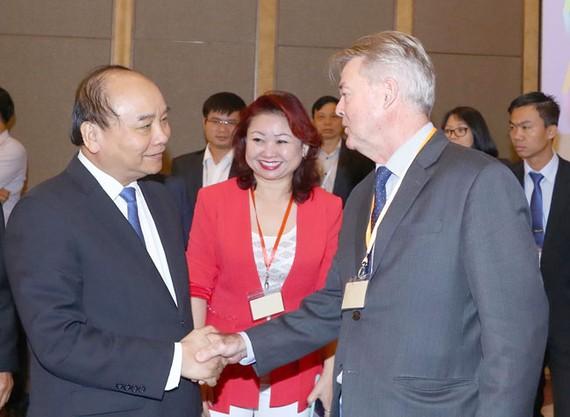 Thủ tướng Nguyễn Xuân Phúc và các đại biểu tại diễn đàn