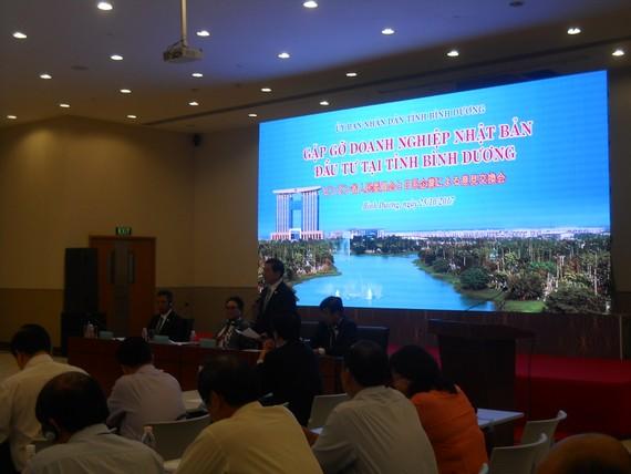Lãnh đạo tỉnh Bình Dương phát biểu tại buổi đối thoại
