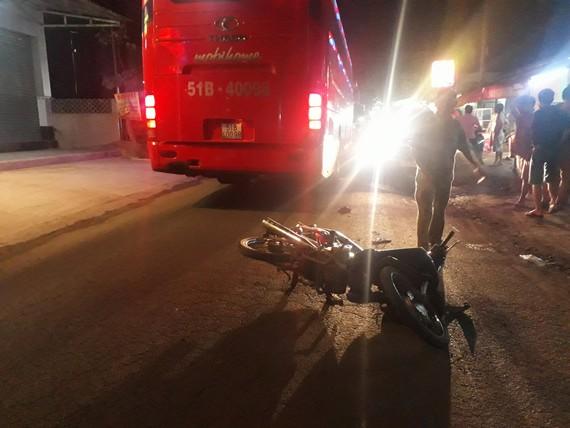 Hiện trường vụ tai nạn khiến 3 mẹ con thương vong. Ảnh : ĐAN NGUYÊN