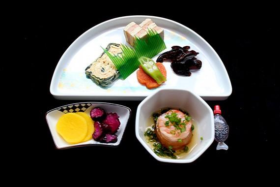 Suất ăn mang đậm bản sắc văn hoá Nhật trên đường bay đi Nhật Bản