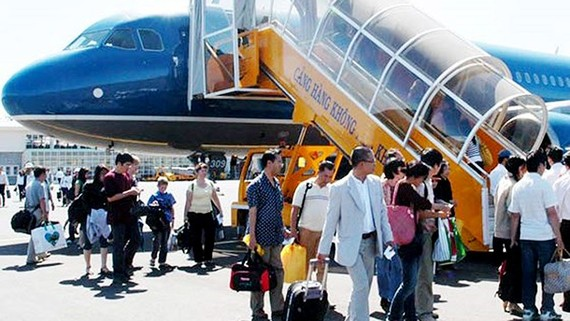 Hàng không bắt đầu bán vé máy bay tết từ hôm nay