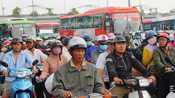 Chủ trương đội mũ bảo hiểm khi đi xe máy đã được người dân ủng hộ và chấp hành rất nghiêm