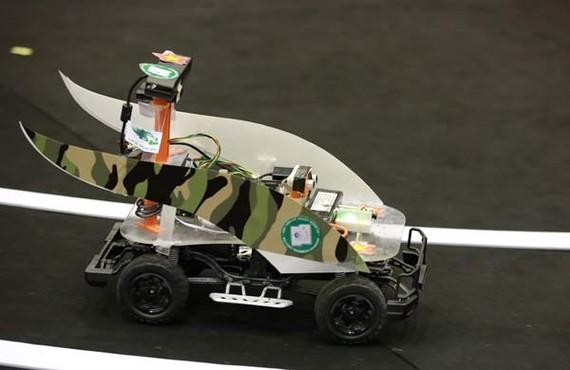 Chiếc xe tự lái của đội MTA-Racer (Học viện Kỹ thuật Quân sự)