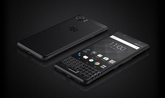 BlackBerry KEYone Black Edition với giá gần 16 triệu đồng