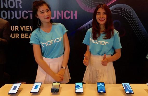 Honor đã chính thức đưa hai chiếc smartphone  Honor 7X và  Honor 9 Lite