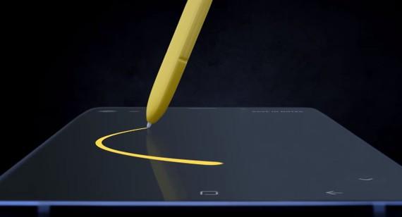 Một hình ảnh của Note 9 vớt bíút S Pen của Samsung