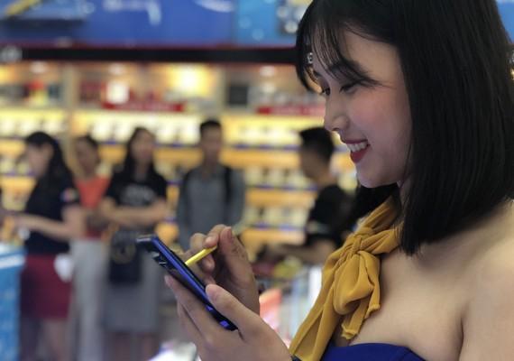 FPT Shop chính thức mở bán Note9