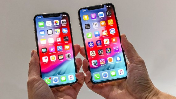 iPhone XS, XS Max