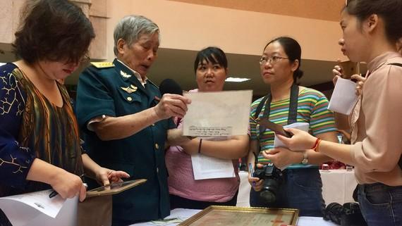 Tiếp nhận nhiều tư liệu, hiện vật quý về Chủ tịch Hồ Chí Minh