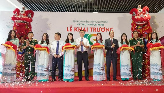 The Military Telecom Corporation Viettel launches 4G services across the whole country on April 18 (Photo: SGGP)