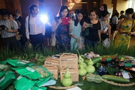 Saigon Co.op on May 8 unveiled the Co.op Organic brand and introduced four groups of organic products. (Photo: VNA)