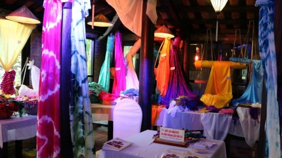 The International Silk - Brocade Festival 2017 opens in Hoi An