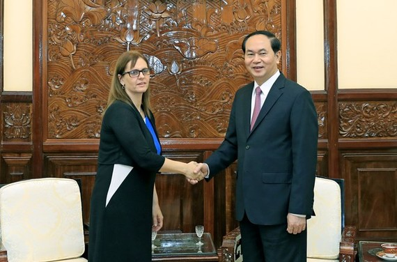President Tran Dai Quang (R) receives outgoing Israeli Ambassador Meirav Eilon Shahar on June 19 (Photo: VNA)