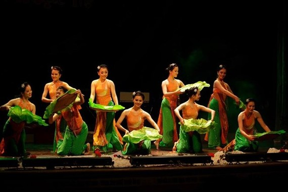 Vietnamese artists perform at the World Folk Culture Festival for the first time (Photo: Facebook of the theatre)