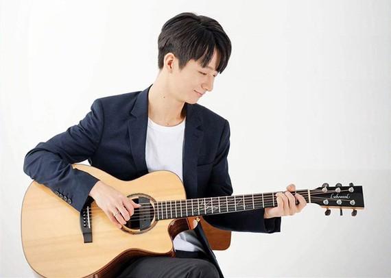 Korean guitarist Sungha Jung performs in Vietnam