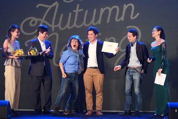 Filmmaker Mauricio Osaki from Brazil wins the Grand Prix at 2017 Autumn Cinema Meeting. (Photo: Sggp)