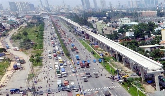 An elevated section of HCM City's Ben Thanh – Suoi Tien metro line runs along Hanoi Highway. (Photo: VNA)