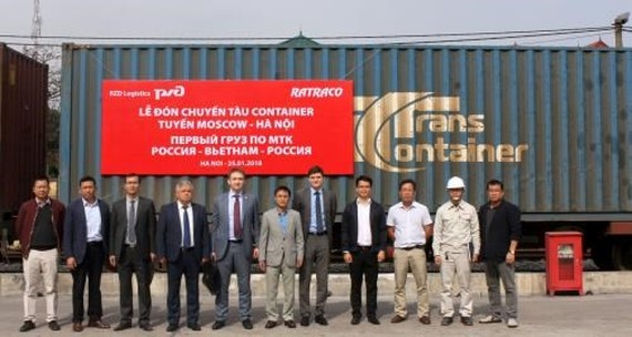 The first container train from Russia to Vietnam welcomed at Yen Vien station (Source: VNA)
