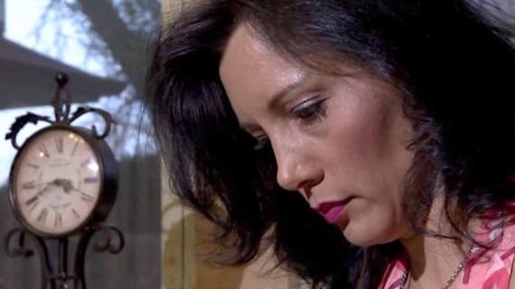 A scene in the film Me oi con da ve (Mom, I came back home)