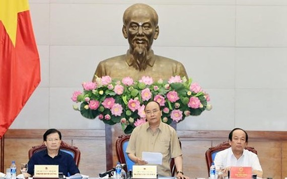 PM Nguyen Xuan Phuc speaks at the working session (Source: VNA)