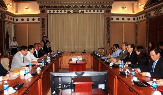 Ho Chi Minh City's leaders received a delegation from Japanese prefecture of Nagasaki on May 10 (Photo: VNA)