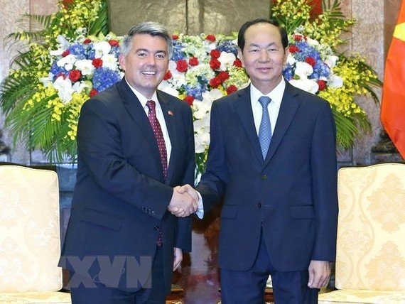 President Tran Dai Quang (R) and Senator Cory Gardner, Chairman of the US Senate's Foreign Relations Subcommittee on East Asia (Photo: VNA)