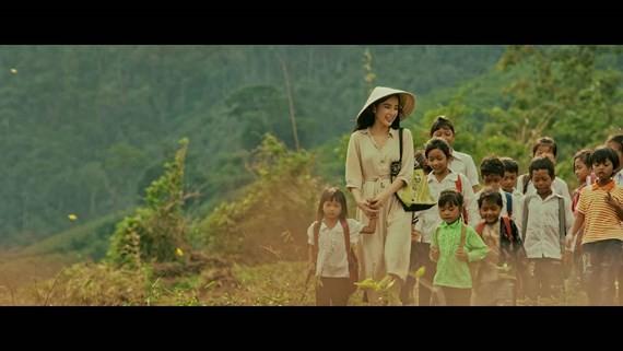 A scene in the film Su Menh Trai Tim (MissionofHeart)