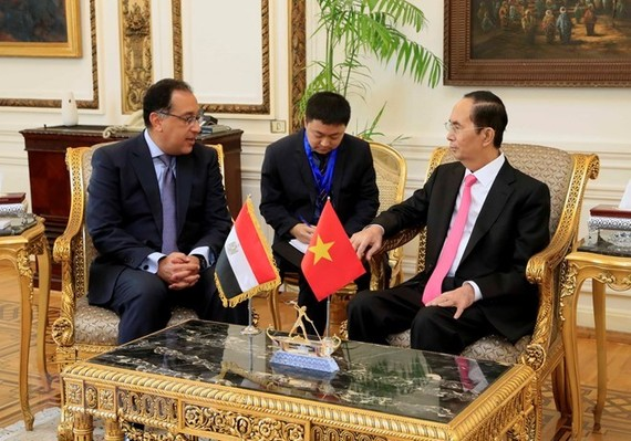 President Tran Dai Quang (R) and Egyptian Prime Minister Mostafa Madbouly (Photo: VNA)
