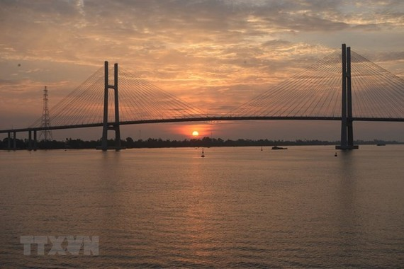 Cao Lanh Bridge, spanning the Tien River in the Mekong Delta province of Dong Thap, was opened on May 27 (Photo: VNA)