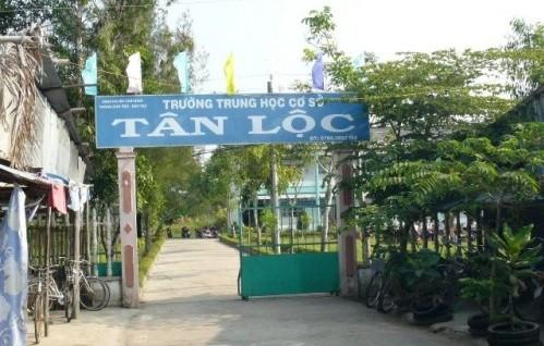 Trường THCS Tân Lộc - nơi cô Hoàng Thị Phượng công tác