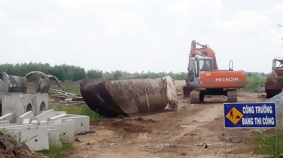 Dự án cải tạo nâng cấp quốc lộ 63 đoạn qua nội ô thành phố Cà Mau thi công cầm chừng vì thiếu vốn