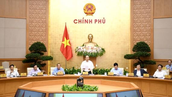 Thủ tướng Nguyễn Xuân Phúc phát biểu tại phiên họp. Ảnh: VGP