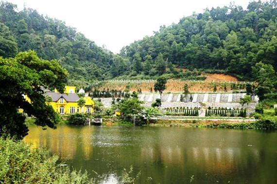 Nhiều công trình xây dựng đã xẻ núi, lấp hồ trên đất rừng phòng hộ ở Sóc Sơn
